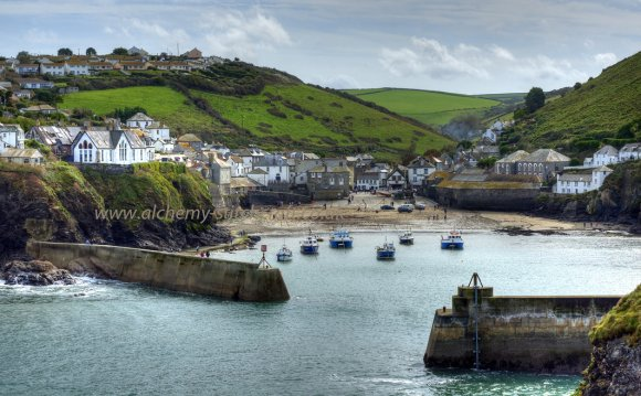 Port Isaac Harbour View in: