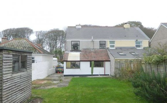 3 Bed Semi Detached House For