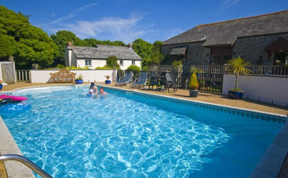 Holiday Cottages in Cornwall with Swimming pool