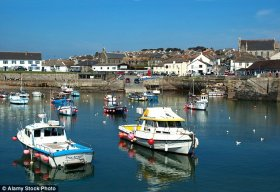 residents when you look at the Cornish fishing port of Porthleven tend to be up in hands over programs for a coffee company to base its HQ here – in the event the odor of roasting espresso beans spoils the fresh water atmosphere
