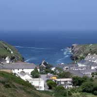 Port Gaverne valley