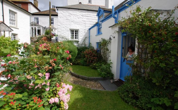 Dolphin cottages Port Isaac