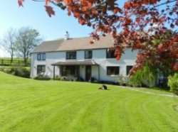 Tremaine Farm - Farmhouse Accommodation