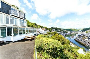 What a view! The Surface of Clipper Home has substantial views associated with the harbour at West Looe in Cornwall